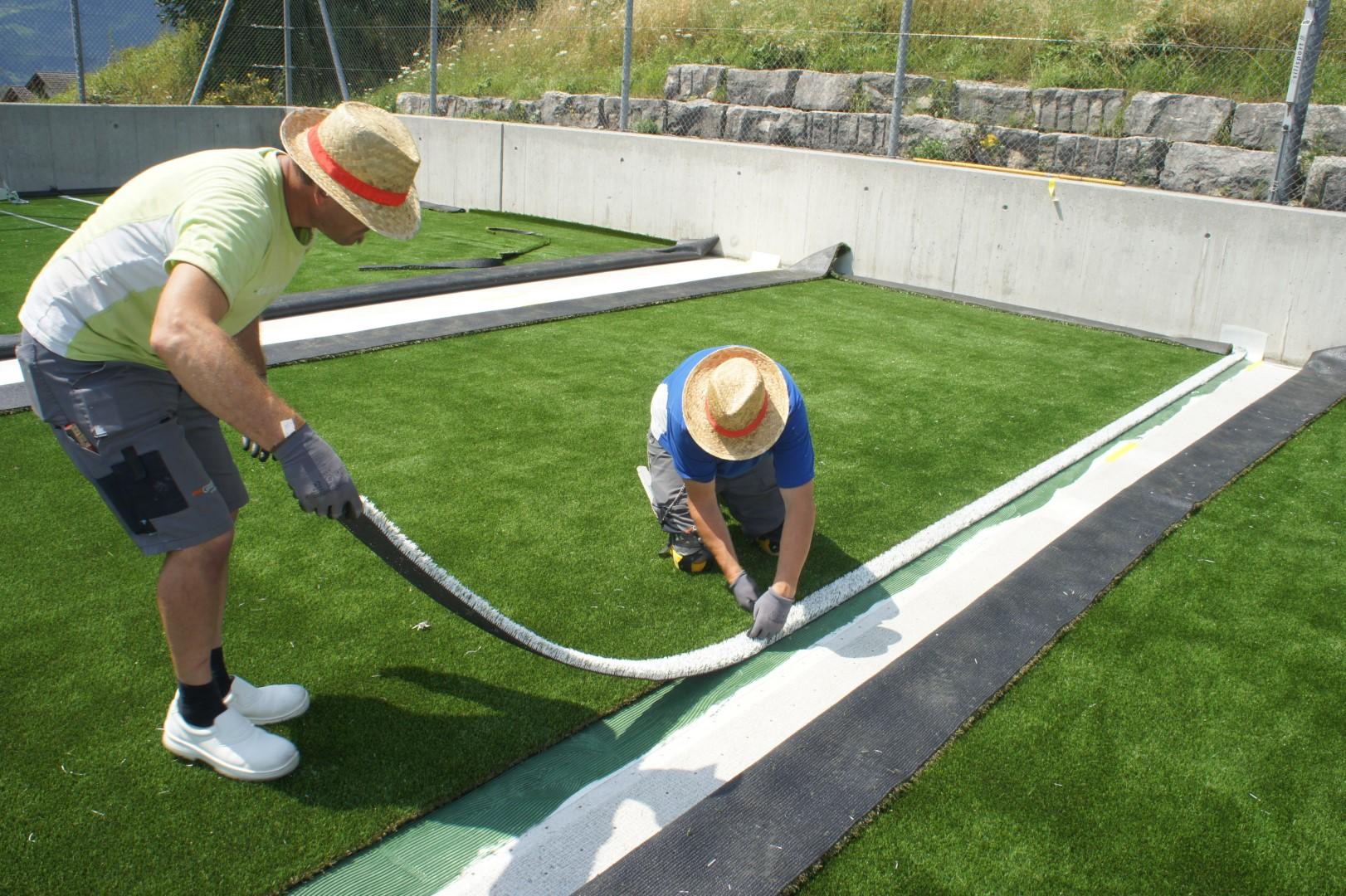 Kunstrasen für den Fussballplatz der Schule Steinerberg